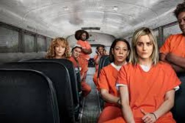 "Actrices de la serie ""Orange is the New Black"" apoyaron a las mujeres que marchan en el Ni una Menos"