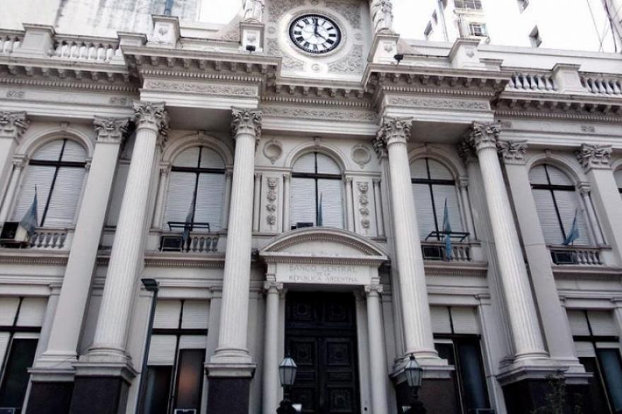 El Banco Central suspendió la compra de dólares a más de 4.200 ...